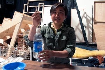 Bo Han designing bottle holder
