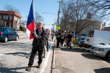 Walkupier Ronnie Kanape with Texas flag