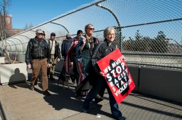 Diana Eidson walking with Walkupiers
