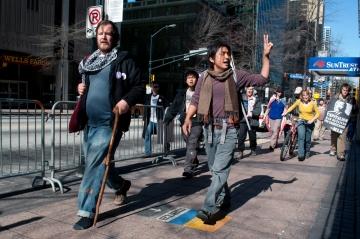 Walkupiers Lyndon from Boston and Bo Han