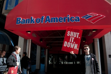 Daniel Hanley from Occupy Atlanta shutting down Bank of America